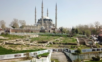 Selimiye Camisi önündeki Yemiş Kapanı Hanı ile ilgili koruma ve konservasyon projeleri onaylandı