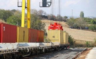 Tekirdağ'dan Azerbaycan'a trenle tohumluk buğday gönderildi