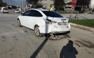 Tır ile çarpışan otomobildeki belediye başkan yardımcısı ile belediye personeli yaralandı