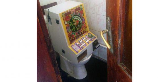 Tuvalette kumar oynatmışlar