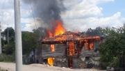 Yangında evsiz kalan aileye yardım eli