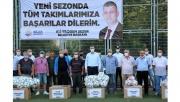 Gölcük Belediyesi'nden amatör futbol kulüplerine malzeme desteği