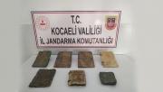 Kocaeli'de bir araçta tarihi eser niteliğinde İncil ve Tevrat ele geçirildi