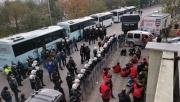 Gebze'de izinsiz yürüyüş yapmak isteyen gruba polis müdahale etti